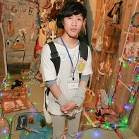 Young fashion designer Yūma Yamamoku (山杢勇馬) in the midst of his installation.