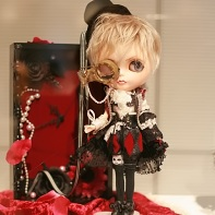 The Queen of Heart's Tea Time Blythe doll.