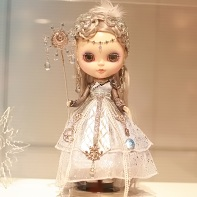 The Blythe doll designed by FREDDY TAN (Dollz Inc Pte Ltd).