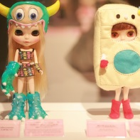Noriya Takeyama and Piko Piko collaborated to create a monster Blythe doll (left) while the one on the right was made by Devil-Pockets (Shinichiro Kitai & Ayumi Urayama).