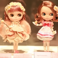 The Blythe dolls designed by LeLe Junie Moon (left) and Saki Yamashita (right).