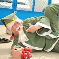 A male cosplayer dressed up as Chin Gentsai (鎮 元斎) from The King of Fighters (ザ・キング・オブ・ファイターズ) video game series.