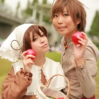 Two cosplayers dressed up as Chibi South Italy and Spain from the Hetalia: Axis Powers (ヘタリア Axis Powers) manga.