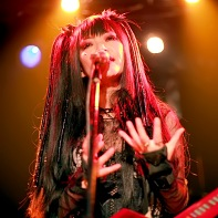 Intense performance by singer Nekoi of Psydoll.