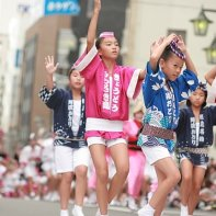 A group of young girls dancing at the Kōenji Awa Odori.